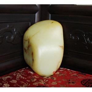 新疆和田玉黄皮白玉籽玉原料  2300克