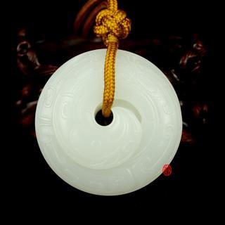 穆宇静作品 新疆和田玉羊脂白玉籽玉把件 轮回(手镯芯) 78克