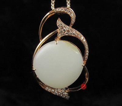 新疆和田玉羊脂白玉籽玉金镶玉挂件  璀璨明珠 8克