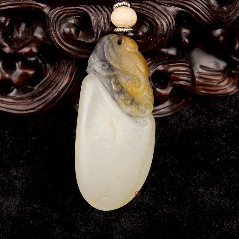 新疆和田玉黄皮黑白籽玉挂件 福在眼前 12克